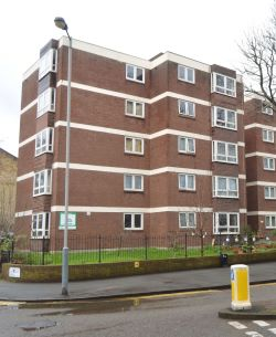 Property for Auction in Greater London - Flat 1 Crowfield House, 125 Highbury New Park, Islington, London