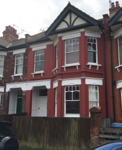 Property for Auction in Greater London - Ground Floor Flat, 79 Temple Road, Cricklewood, London