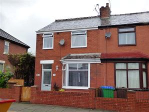 Property for Auction in Manchester - 32a Melton Street, Heywood, Lancashire, OL10 3DX