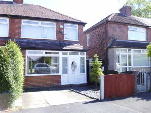 Property for Auction in Manchester - 70 Kingston Avenue, Chadderton, Oldham, Lancashire, OL9 8LL