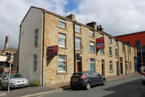 Property for Auction in Manchester - 25 St James's Row, BURNLEY, Lancashire, BB11 1EY