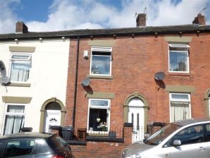 Property for Auction in Manchester - 24 Kingsbridge Road, Oldham, Lancashire, OL8 2BT