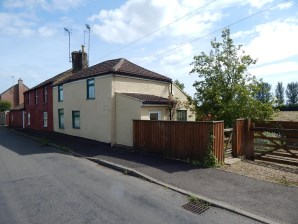 Property for Auction in East Anglia - The Cottage at Gambles Corner, School Rd St John Fen End Wisbech, Cambridgeshire, PE14 7SJ