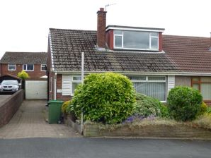 Property for Auction in Manchester - 33 Liskeard Avenue, Royton, Oldham, Lancashire, OL2 6JU