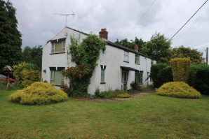 Property for Auction in East Anglia - 4 Taverham Road, Felthorpe, Norwich, Norfolk, NR10 4DS