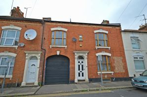 Property for Auction in Northamptonshire - 28 Louise Road, The Mounts, Northampton, Northamptonshire, NN1 3RR