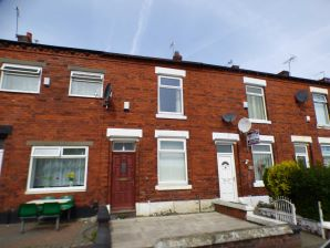 Property for Auction in Manchester - 26 Huxley Street, Oldham, Lancashire, OL4 5JX