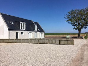 Property for Auction in Scotland - 7, Tarrel Farm, Tain, IV20 1SL