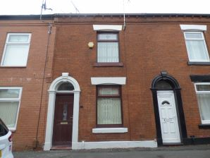 Property for Auction in Manchester - 3 Saxon Street, Greenacres, Oldham, Lancashire, OL4 3ED
