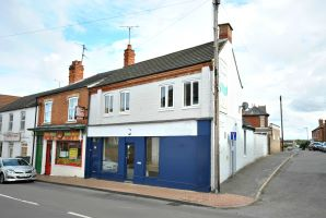 Property for Auction in Northamptonshire - 8 and 8a High Street, Irchester, Northamptonshire, NN29 7AB