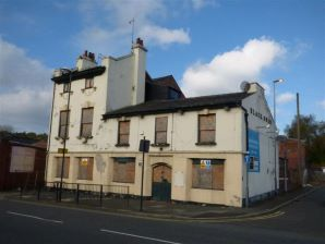 Property for Auction in Manchester - Black Swan Hotel, 13 Bottom o'th Moor, Oldham, Lancashire, OL1 3HH
