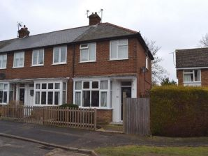 Property for Auction in Hertfordshire & West Essex - 23 Conquest Close , Hitchin, Hertfordshire, SG4 9DP