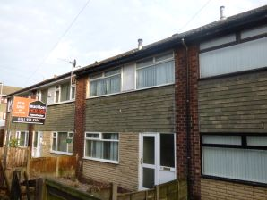 Property for Auction in Manchester - 19 Chatsworth Street, Oldham, Lancashire, OL4 5LF