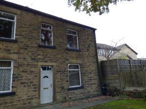 Property for Auction in Manchester - 2 Bennett Street, Hollingworth, Hyde, Derbyshire, SK14 8PQ