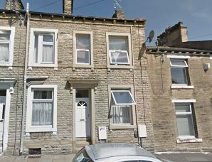 Property for Auction in West Yorkshire - 17 & 17a , Union Street South, Halifax, West Yorkshire, HX1 2LE