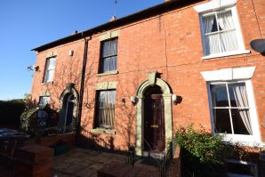 Property for Auction in Northamptonshire - 4 Kingsley Gardens, Kingsley, Northampton, Northamptonshire, NN2 7BW