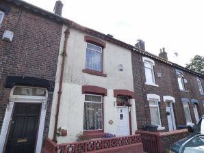 Property for Auction in Manchester - 61 New Earth Street, Oldham, Lancashire, OL4 5ES