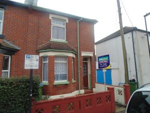 Property for Auction in Hampshire - 1 Howards Grove, Shirley, Southampton, Hampshire, SO15 5PR