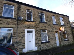 Property for Auction in Manchester - 4 Bennett Street, Hollingworth, Hyde, Derbyshire, SK14 8PQ