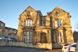 Property for Auction in West Yorkshire - 14 Redwing Crescent, Longwood, Huddersfield, West Yorkshire, HD3 4RL