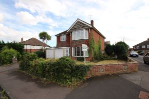 Property for Auction in Hampshire - 11 Queen Anne's Drive, Bedhampton, Havant, Hampshire, PO9 3PG