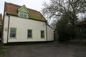 Property for Auction in East Anglia - 1 Puddingmoor, Beccles, Suffolk, NR34 9PL