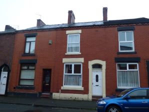 Property for Auction in Manchester - 22 Ryburne Street, Greenacres, Oldham, Lancashire, OL4 2BP