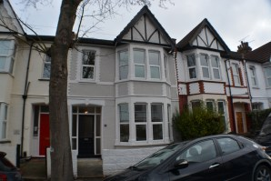 Property for Auction in Essex - 11 Wenham Drive, Westcliff-On-Sea, Essex, SS0 9BN