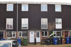 Property for Auction in Essex - 20 Delius Way, Stanford-Le-Hope, Essex, SS17 8RH