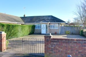 Property for Auction in Hampshire - 2 Newbolt Close, Cowplain, Waterlooville, Hampshire, PO8 8SS