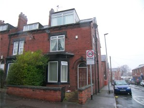 Property for Auction in West Yorkshire - 172 Town Street, Armley, Leeds, West Yorkshire, LS12 3RF