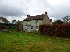 Property for Auction in Devon & Cornwall - Rose Cottage, Godolphin Cross, Helston, Cornwall, TR13 9RA
