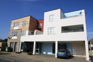 Property for Auction in Essex - Flat 4, Cricketfield Grove, Leigh-on-Sea, Essex, SS9 3EJ