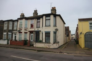 Property for Auction in East Anglia - 11 Princes Road, Great Yarmouth, Norfolk, NR30 2DB