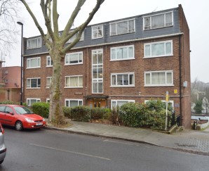 Property for Auction in London - Flat 10 Tina Court, 71 Knollys Road, Streatham, London, SW16 2JL