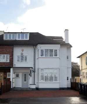 Property for Auction in London - Flat 3, 170 Woodside Green, South Norwood, London, SE25 5EW