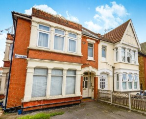 Property for Auction in London - 48F Meteor Road, Westcliff-on-Sea, Essex, SS0 8DG