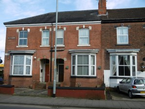 Property for Auction in Lincolnshire - Flat 3A & Flat 3B, The Beeches 1-3, Lea Road, Gainsborough, Lincolnshire, DN21 1LW