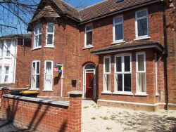 Property for Auction in Beds & Bucks - 53A Chaucer Road, Bedford, Bedfordshire, MK40 2AL