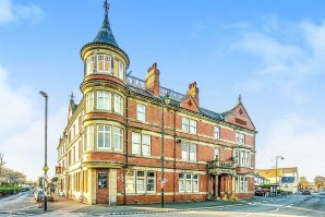 Property for Auction in North Wales - 21 Victoria Apartments 3 Bastion Road, Prestatyn, Clwyd, LL19 7ES