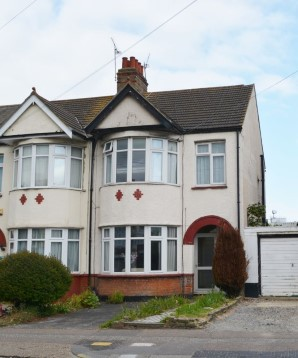 Property for Auction in London - 122 Hamstel Road, Southend-on-Sea, Essex, SS2 4PQ