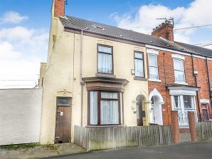 Property for Auction in Hull & East Yorkshire - 18 Sherburn Street, Holderness Road, Hull, East Yorkshire, HU9 2LA