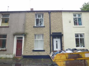 Property for Auction in Manchester - 4 Healey Street, Rochdale, Lancashire, OL16 1UU