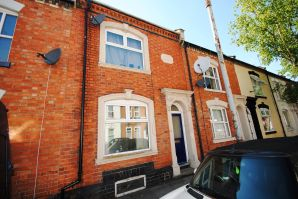 Property for Auction in Northamptonshire - 35 Hunter Street, The Mounts, Northampton, Northamptonshire, NN1 3QD