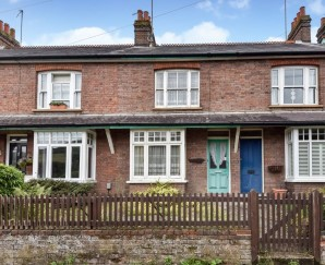 Property for Auction in London - 85 Vale Road, Chesham, Buckinghamshire, HP5 3HJ