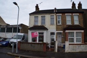 Property for Auction in Essex - 116A Salisbury Avenue, Westcliff-On-Sea, Essex, SS0 7BB