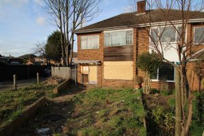 Property for Auction in Hertfordshire & West Essex - 81 Cadmore Lane, Cheshunt, Hertfordshire, EN8 9JQ