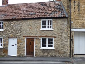 Property for Auction in Dorset - 41 Hound Street, Sherborne, Dorset, DT9 3AB