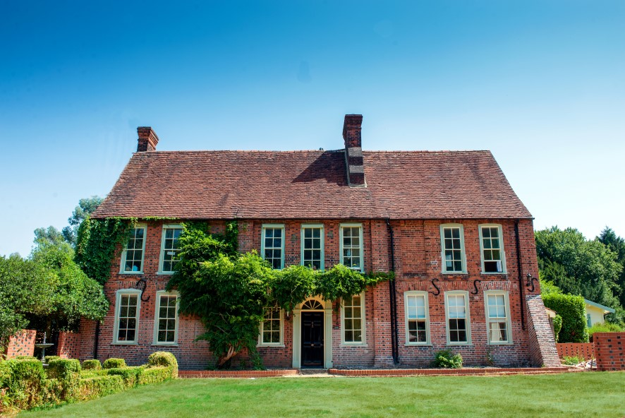 For Sale By Auction This 8 Bedroom Detached Grade Ii Listed House Is Set In 3 2 Acres Of Grounds